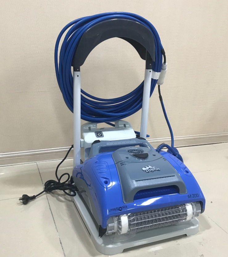 Swimming Pool Dolphin M200 Robot Cleaner