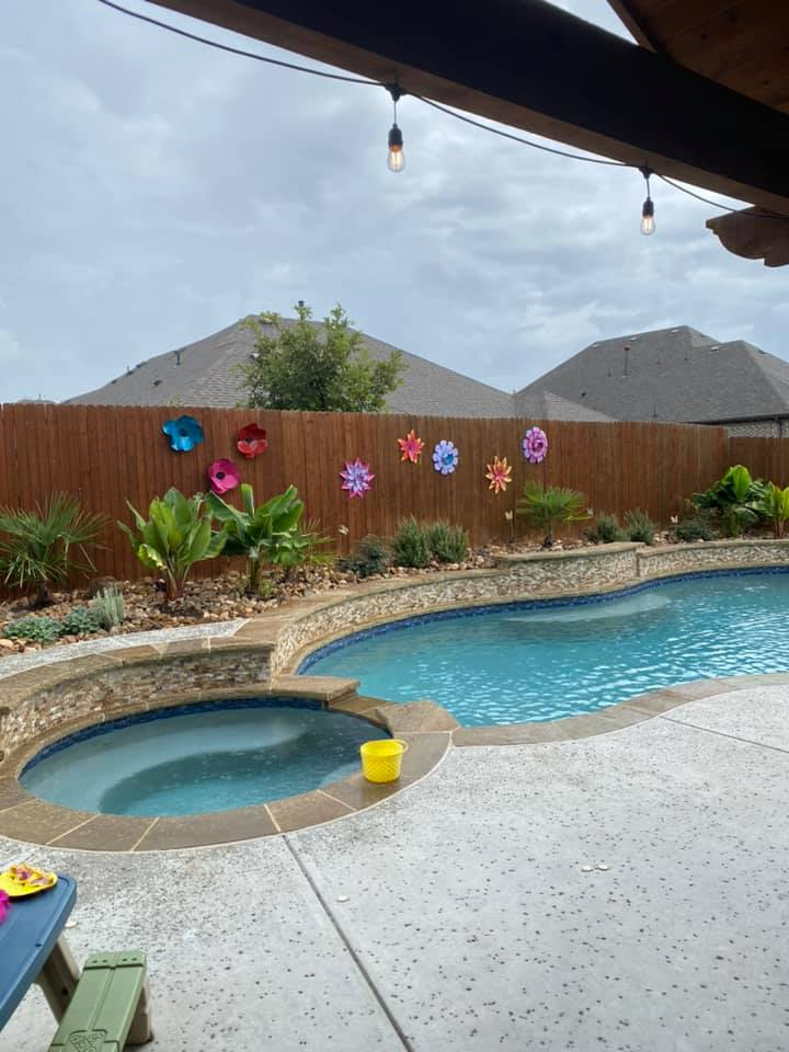 Swimming Pool Ideas : Here's ours, similar colors in the tile.