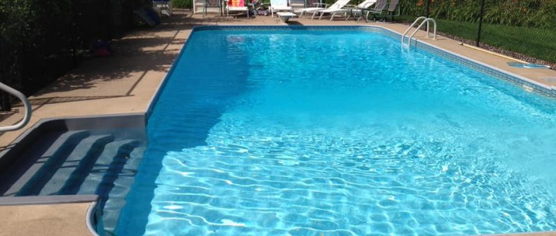 We are in the planning stages of our pool and hot tub. What are pros and cons of having the pool the same depth all over?
