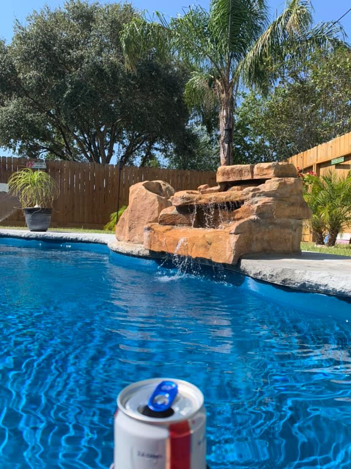 Pool Ideas : Pool water 89 degrees on 10 October...only in south Texas!